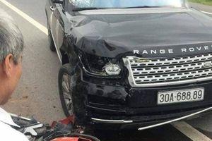 Xế hộp Range Rover tông xe máy, chồng tử vong, vợ bị thương nặng