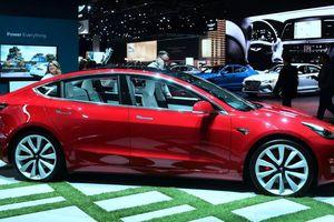 Tesla chính thức ra mắt ôtô điện Model 3