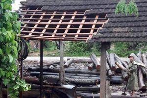 Nghệ An: 40 nhà dân bị tốc mái do lốc xoáy
