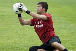 Thêm thủ môn Việt kiều muốn cạnh tranh với Đặng Văn Lâm ở ĐT Việt Nam