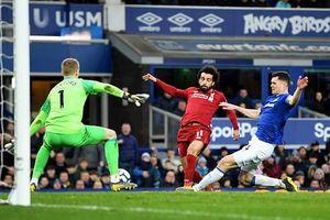 Salah kém duyên, Liverpool mất ngôi đầu Premier League
