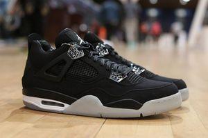 Khó tin với giá của những đôi sneakers đắt nhất thế giới