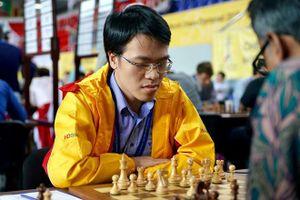 Vắng Quang Liêm, cờ vua Việt Nam gặp khó trên sân nhà