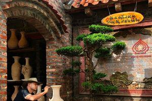 Hải Phòng: Nghệ nhân gốm phù điêu tài hoa đạt kỷ lục Việt Nam