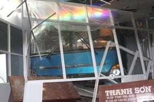 Khởi tố phụ xe gây tại nạn chết người ở Cà Mau