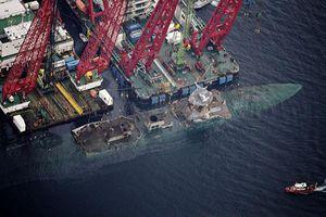 Ngày trở về của khu trục hạm Na Uy sau 4 tháng đóng vai 'tàu ngầm'