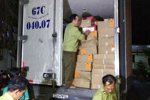 Tạm giữ 15 tấn thực phẩm đông lạnh không rõ nguồn gốc