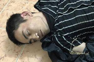 Cảnh sát nổ súng bắt kẻ giả vờ bị 'ngáo đá' để cướp tài sản