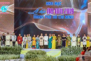 Bộ sưu tập áo dài 99 Quốc kỳ mở màn Lễ hội áo dài TP.HCM lần thứ 6