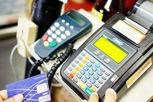 Phạm pháp và nhiều rủi ro từ việc rút tiền qua máy POS