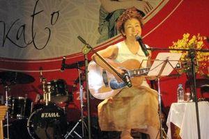 Danh ca Tokiko Kato hát nhạc Trịnh tại TP.HCM
