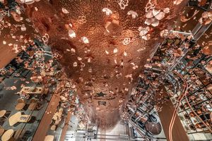 Choáng ngợp trước cửa hàng lớn nhất thế giới của Starbucks ở Tokyo
