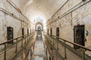 Rợn người những nhà tù bị bỏ hoang như trong phim kinh dị
