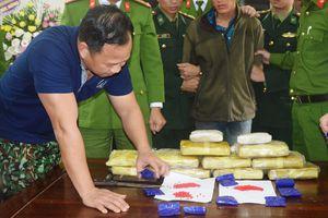 Bắt giữ kẻ vận chuyển 60.000 viên ma túy tổng hợp từ Lào về Việt Nam