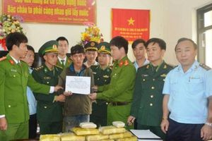 Bắt người Lào vận chuyển 60 ngàn viên hồng phiến vào Hà Tĩnh