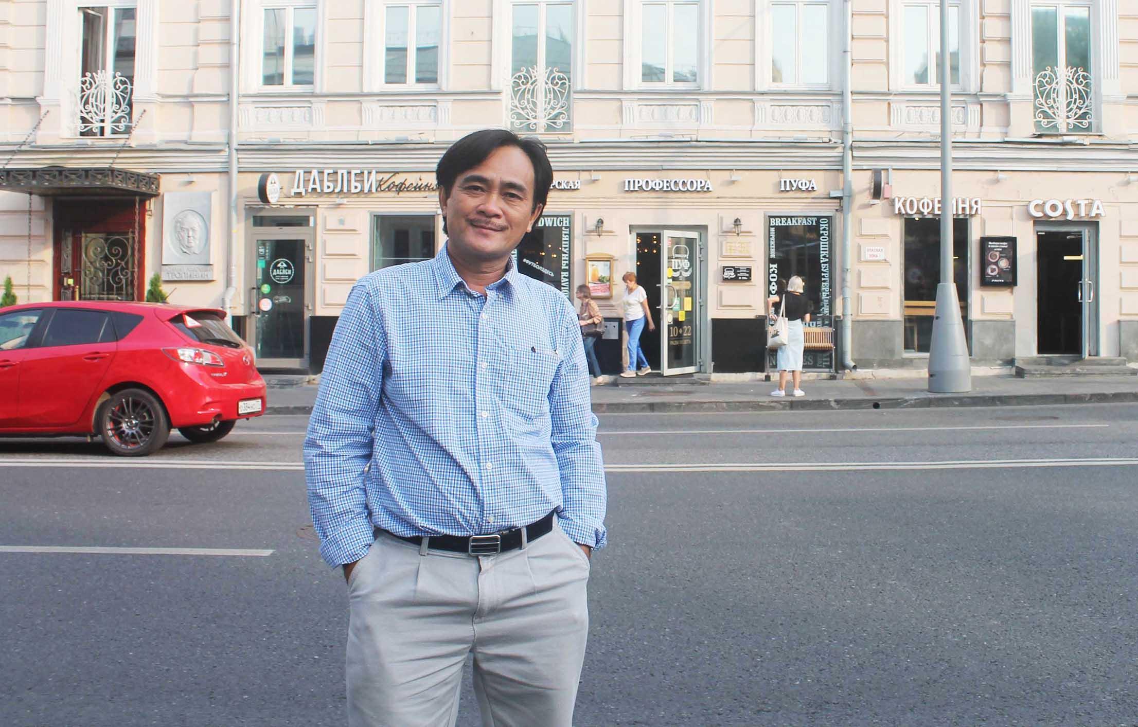 Nhà thơ Phan Hoàng: Khi con sông đổi dòng...