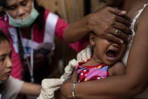 Nỗi sợ vắc xin đẩy Philippines vào ác mộng dịch sởi