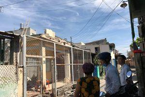 Tháo dỡ nhà ở Sài Gòn, 1 người bị tường đè tử vong