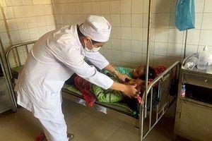 Tin mới nhất về vụ 44 học sinh tiểu học ăn nhầm bột thông cống