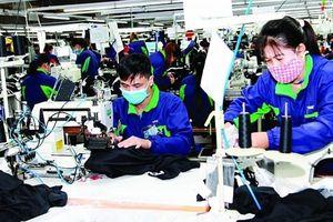 Không dễ để tiền lương cho lao động dệt may đủ sống