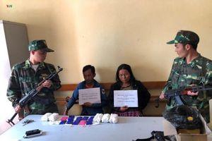 Bắt hai đối tượng người Lào vận chuyển 12.000 viên ma túy tổng hợp