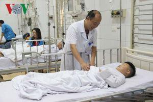 Thông tin về sức khỏe của 46 học sinh bị ngộ độc hóa chất tẩy bồn cầu