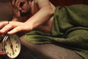 Tác động phụ 'kinh hoàng' của ngủ thiếu trong tuần, ngủ nướng cuối tuần