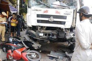 Bình Định: Xe tải gây tai nạn liên hoàn, 3 người nhập viện