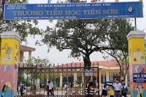 Sáng nay họp báo vụ thầy giáo bị tố sàm sỡ nhiều học sinh lớp 5