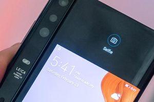 Huawei Mate X và Galaxy Fold: Ai là ông vua smartphone có thể gập lại?