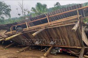 Dông lốc kèm theo mưa đá gây thiệt hại lớn tại Hà Giang