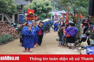 Tục thờ 'hòn đá vía' của người Thái đen ở huyện Quan Sơn
