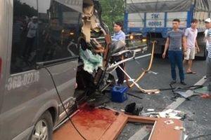 Vụ tai nạn trên cao tốc 2 người tử vong: Lái xe 16 chỗ thiếu quan sát
