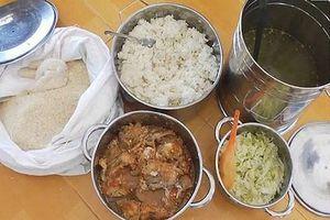 Bữa ăn học đường không an toàn: Thờ ơ là tiếp tay cho tội ác
