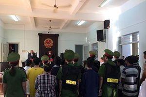 Đang xử vụ gây rối, tấn công cảnh sát tại Phan Rí Cửa