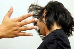 Kỷ luật thầy giáo đánh nữ sinh lớp 7 tại An Giang