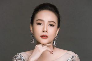 Á hậu Dương Yến Ngọc liều lĩnh viết về... sex