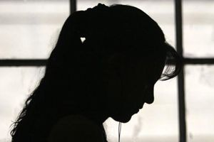 Cô giáo bị chồng tố 'có quan hệ' với học trò có bị xử lý hình sự?