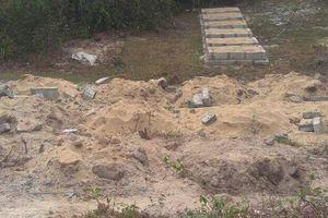 Thừa Thiên - Huế: Đắp gần 100 ngôi mộ giả chờ giải tỏa đền bù