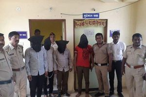 Chạy trốn sau khi bị 4 'yêu râu xanh' tấn công trong suốt 7 tháng, cô gái 16 tuổi Ấn Độ tiếp tục bị cưỡng hiếp