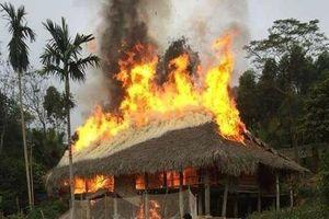 Hà Giang: Bất cẩn trong lúc đổ xăng, hai người tử vong