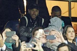 Thất bại trước Man Utd, Neymar trút giận vào VAR