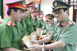Quảng Trị: Khen thưởng vụ phá hai chuyên án ma túy lớn