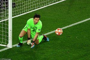 Chùm ảnh: Buffon mắc sai lầm chết người ở trận PSG 1-3 MU