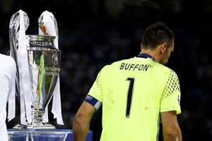 Dư âm PSG 1-3 MU: Champions League không có chỗ cho 'người già'