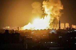 Israel không kích Dải Gaza và nhận 'trái đắng' từ phiến quân Hamas