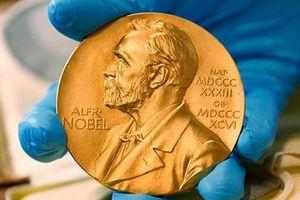 Công bố cùng lúc 2 giải Nobel Văn học