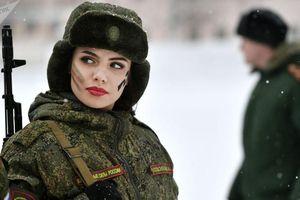 Những 'bông hồng thép' trong lực lượng vũ trang Nga
