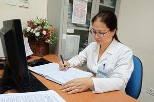 Nữ bác sĩ 20 năm 'gác gôn' dịch bệnh