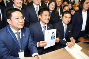 Thái Lan giải thể đảng thân cựu Thủ tướng Thaksin